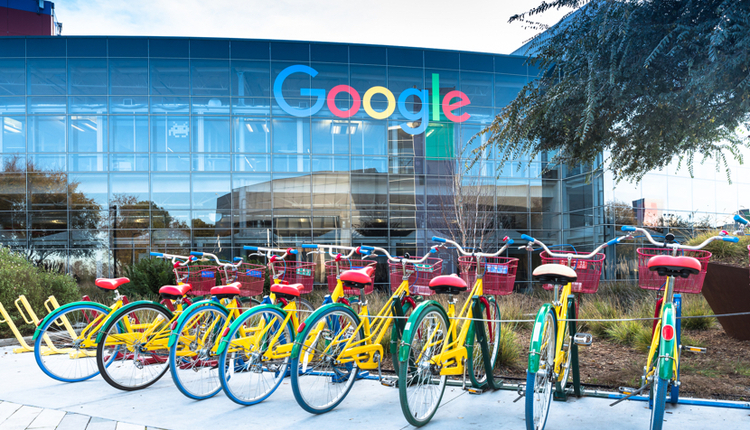 Google and Salesforce Form a Partnership in the Cl